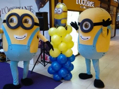 Kids party with Minions